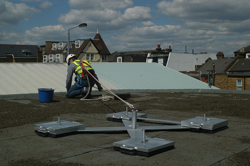 Complete Solution For Short Term Safety Roof Edge